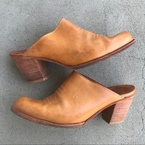 VTG Leather Western Mules Wooden Heel Size 7
